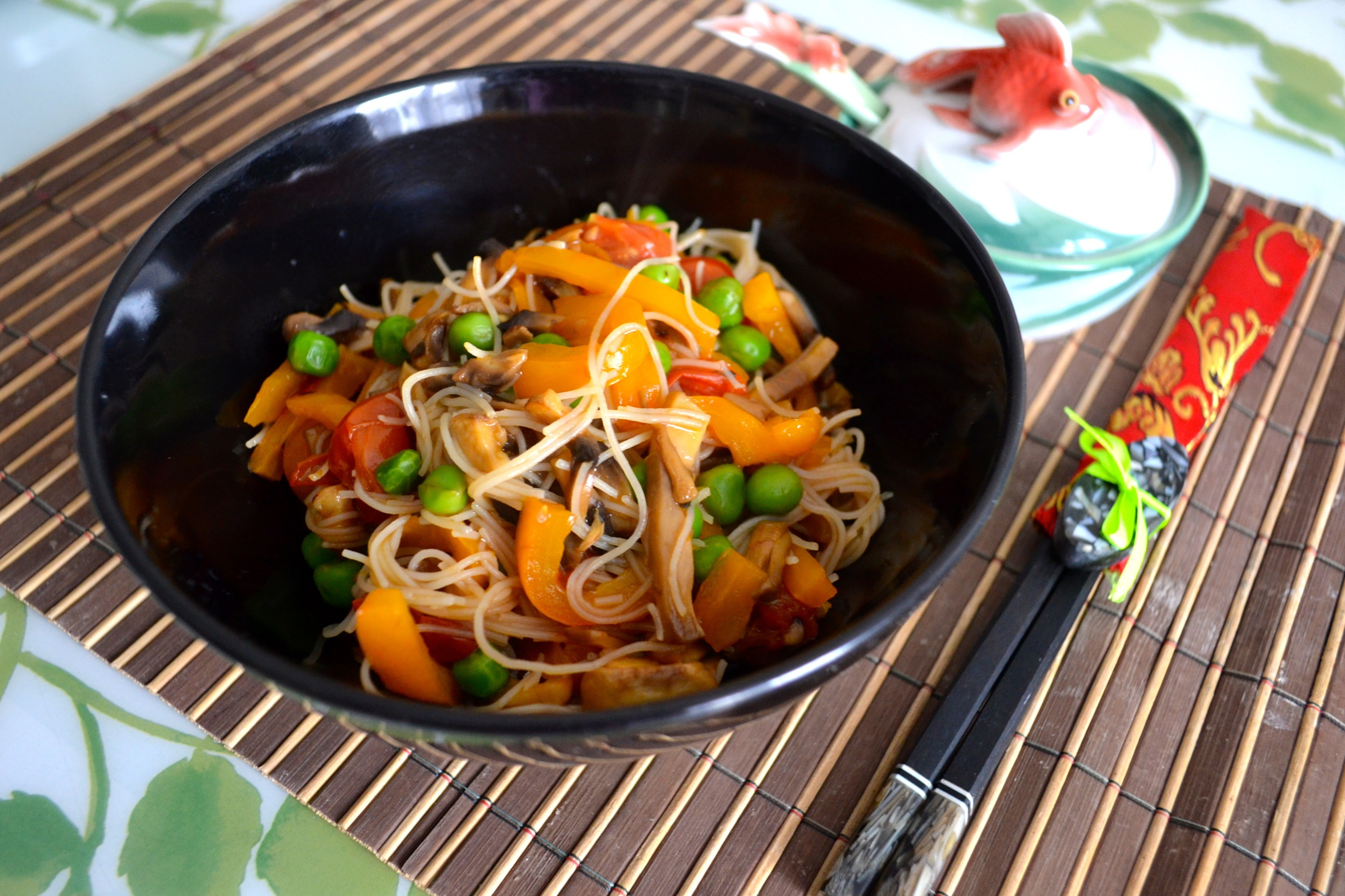 Лапша с курицей и с овощами рецепт пошагово