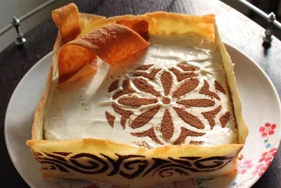 Торт с яблоками, апельсином и пастилой