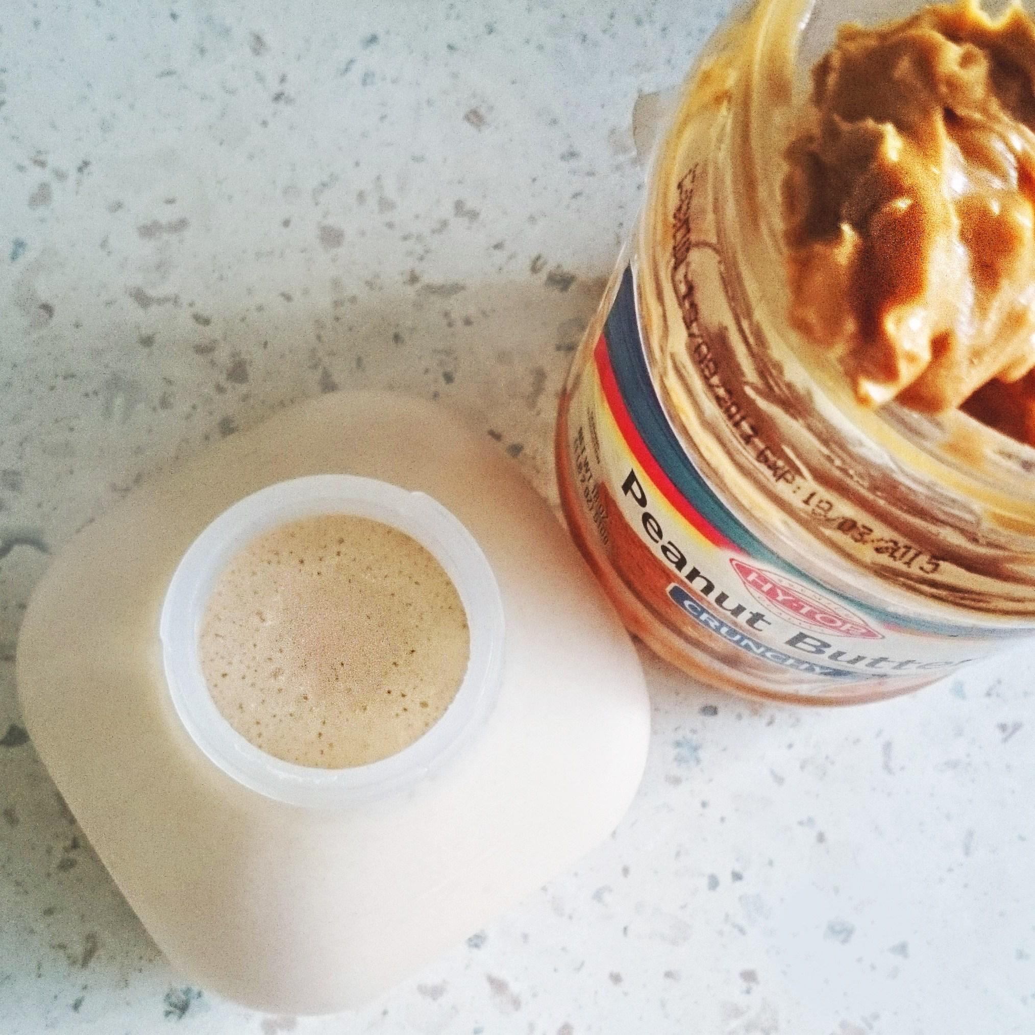 Протеиновый коктейль с арахисовым маслом