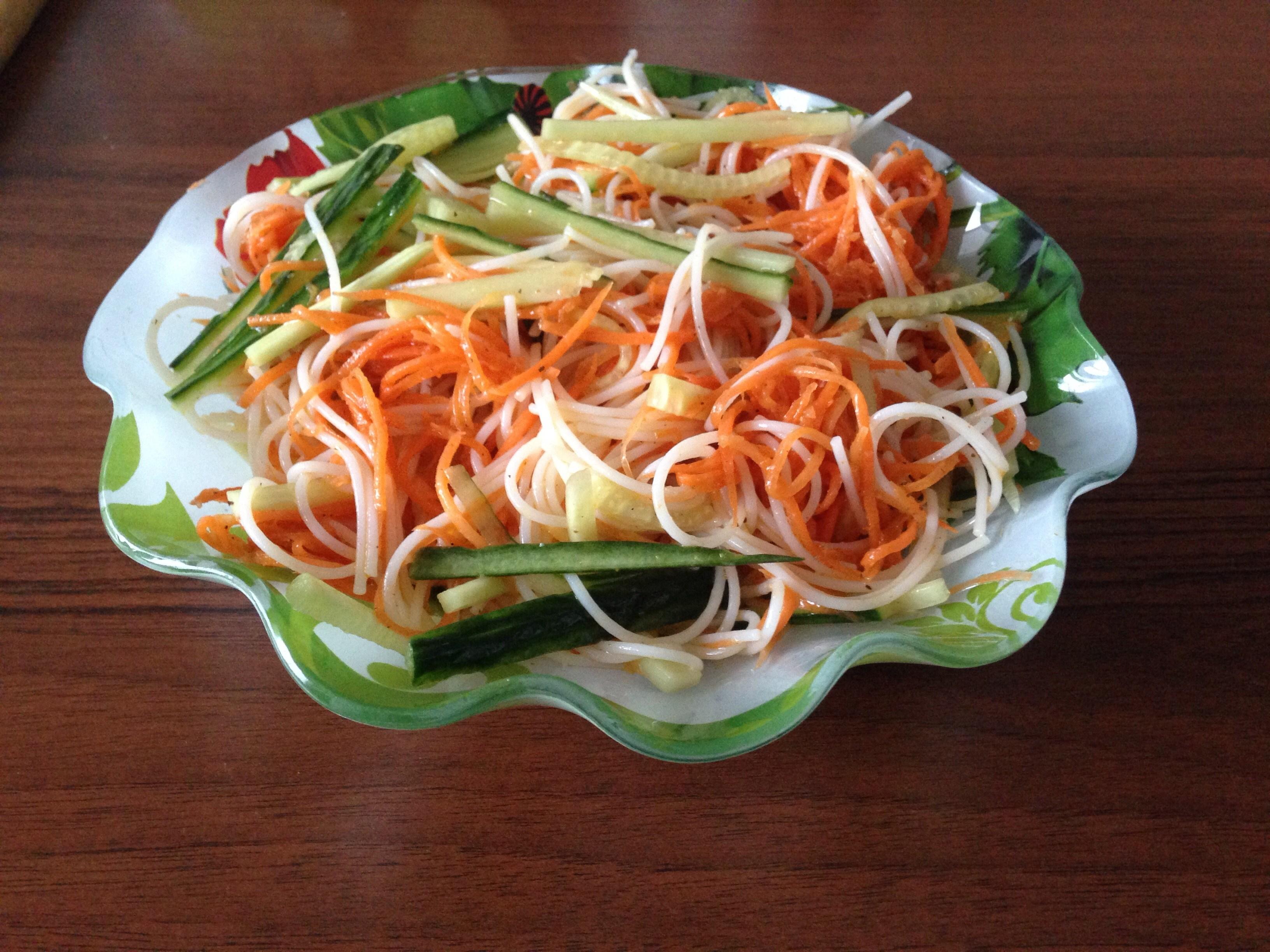 Салатов по корейски фунчоза