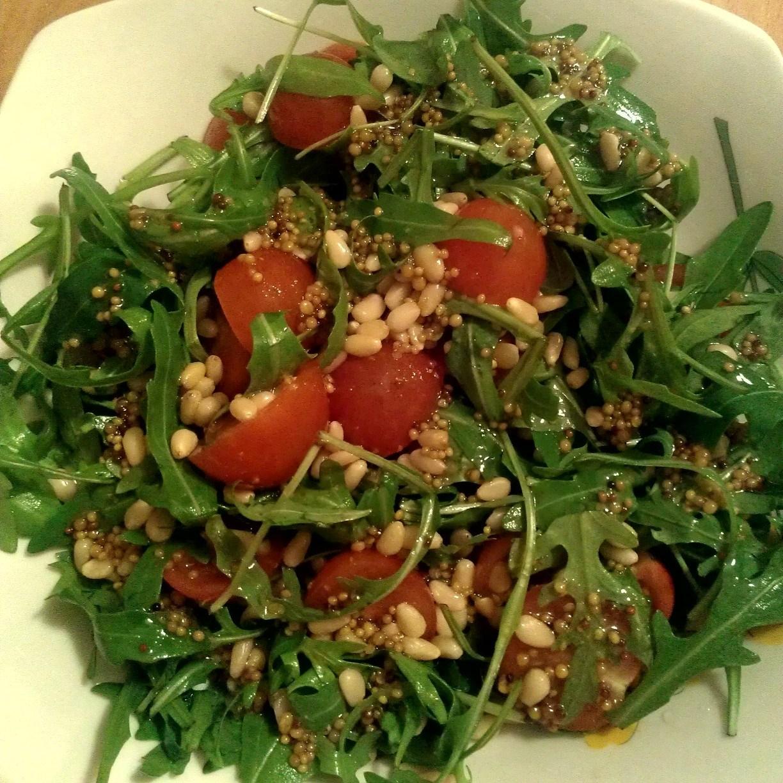 цезарь салат с кедровыми орешками