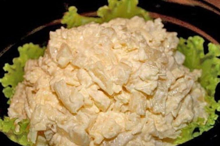 Салат из ананасов курицы и яйца