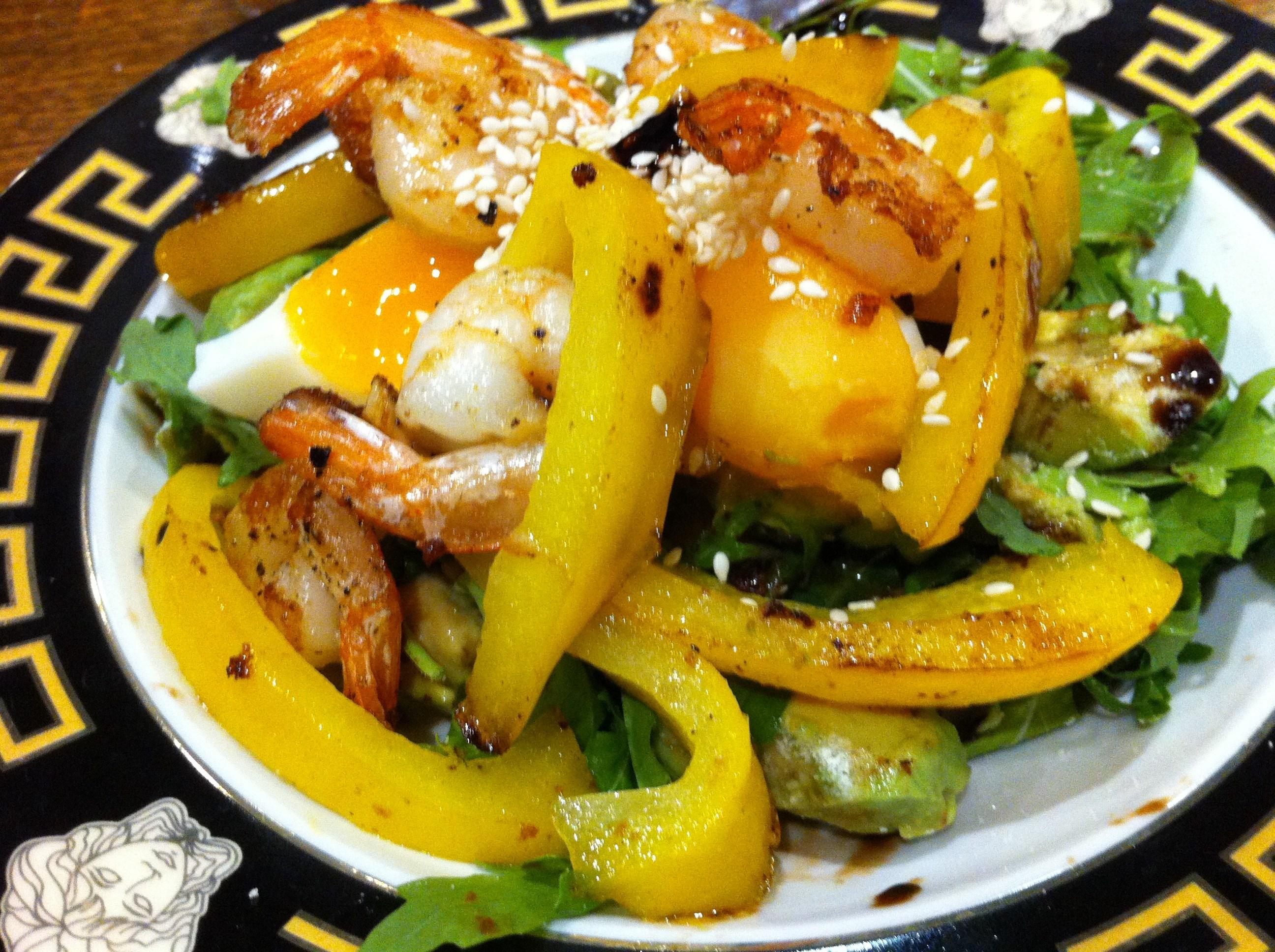 Салат с креветками и авокадо рукколой рецепт с пошагово в