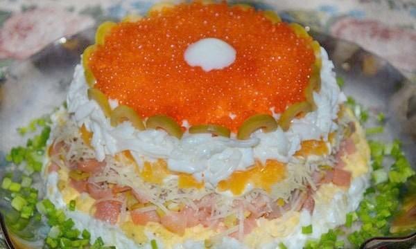 рецепты слоеных салатов с икрой красной