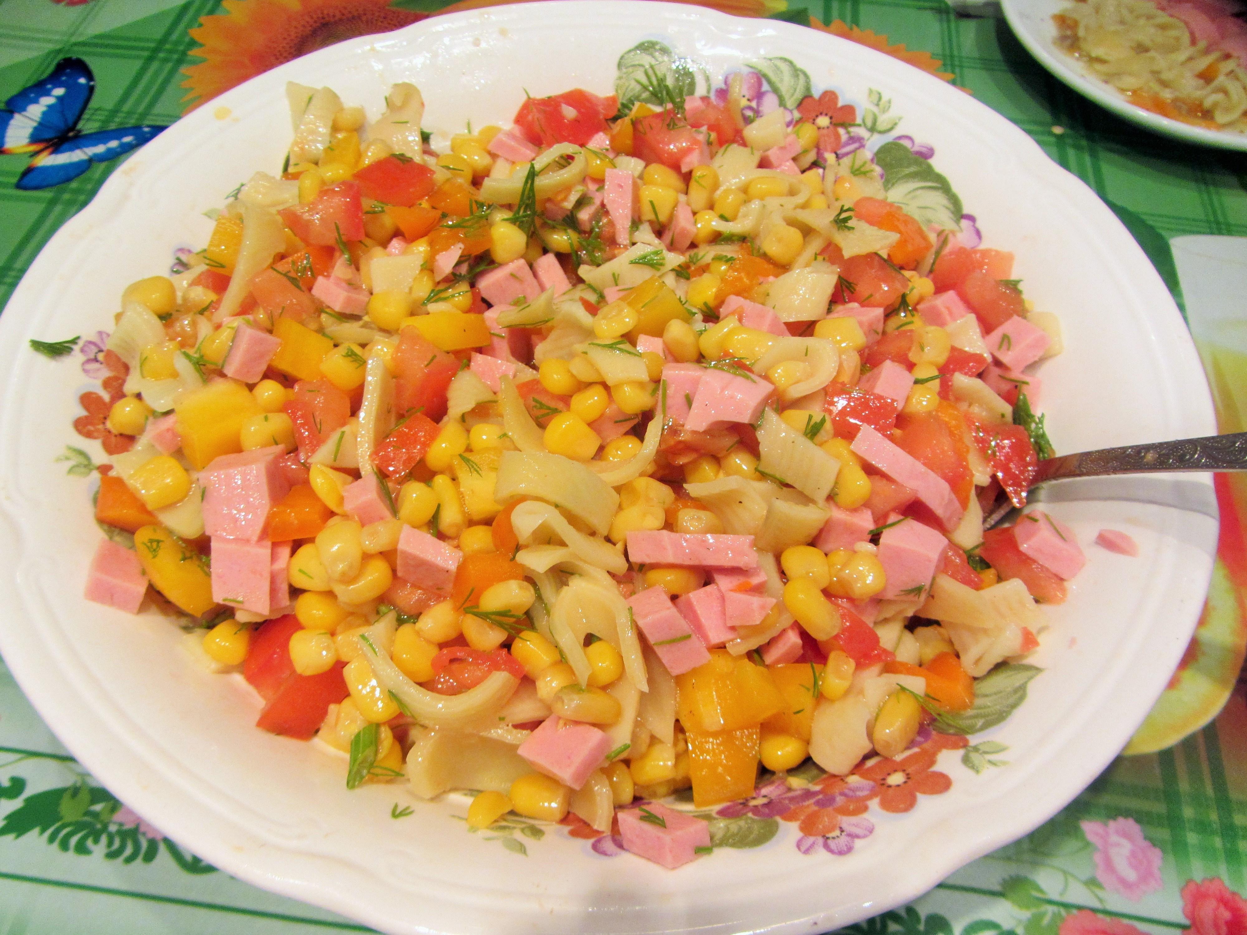 Праздничные салаты с ветчиной рецепты