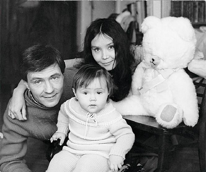 Екатерина Двигубская с папой Николаем Двигубским и мамой Натальей Аринбасаровой.