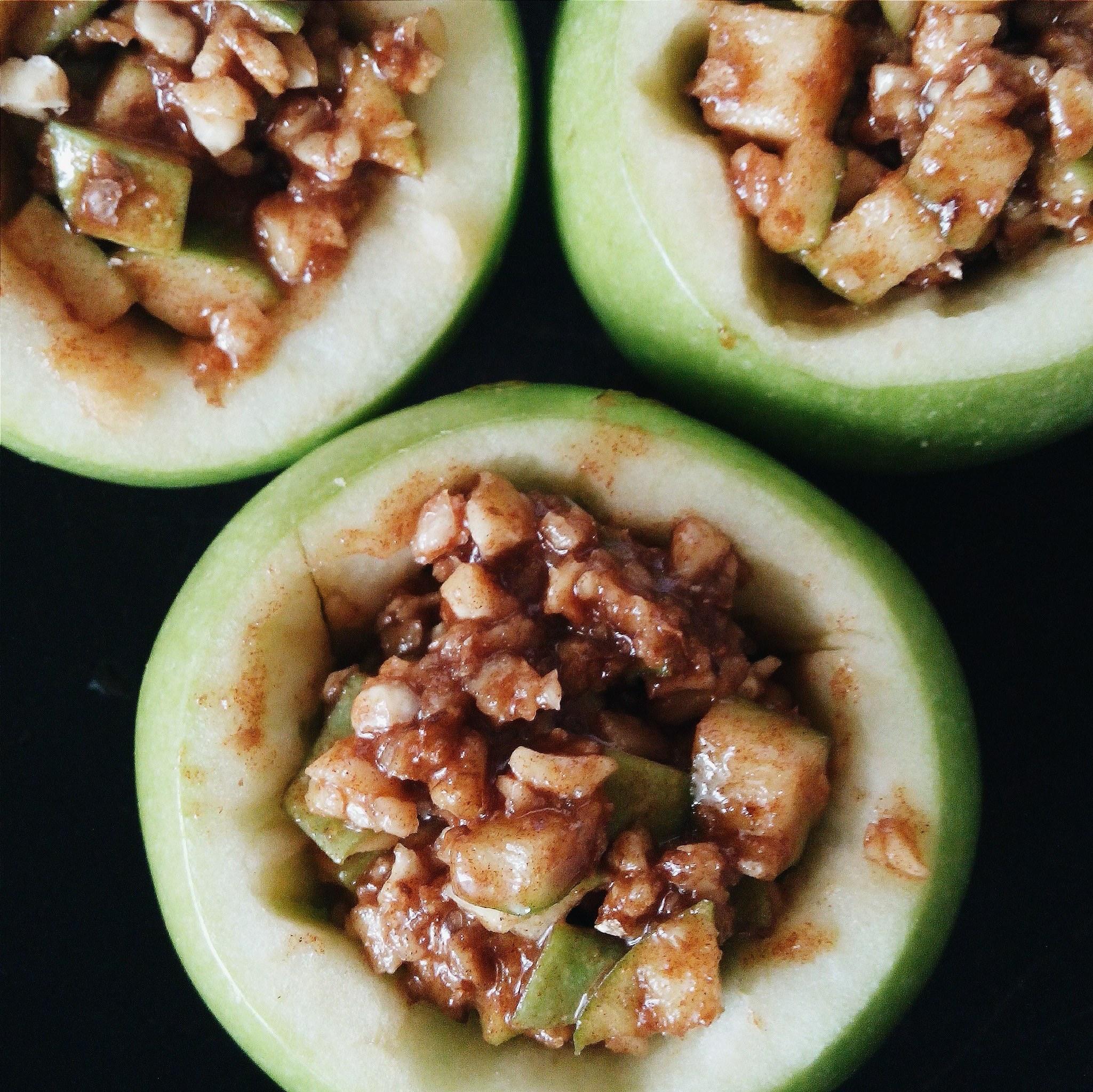 Яблоки, запечённые в тесте. Фото-рецепт