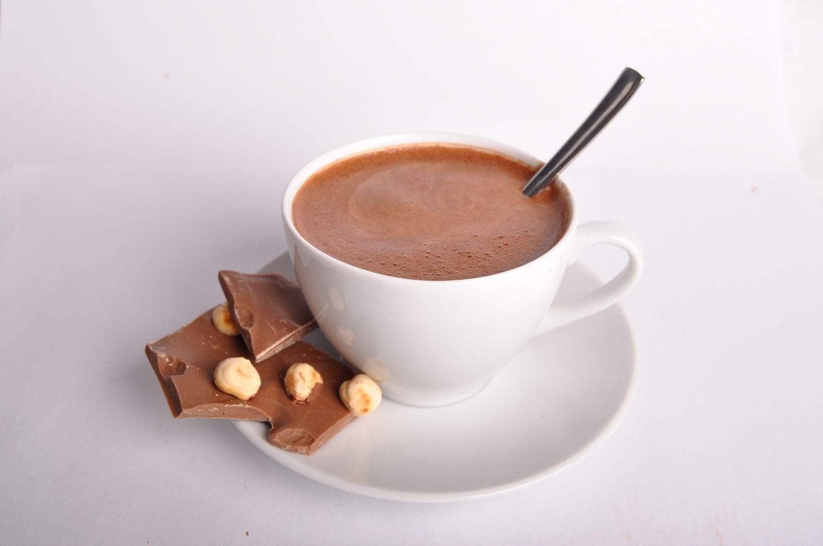 Как сделать горячий шоколад на молоке