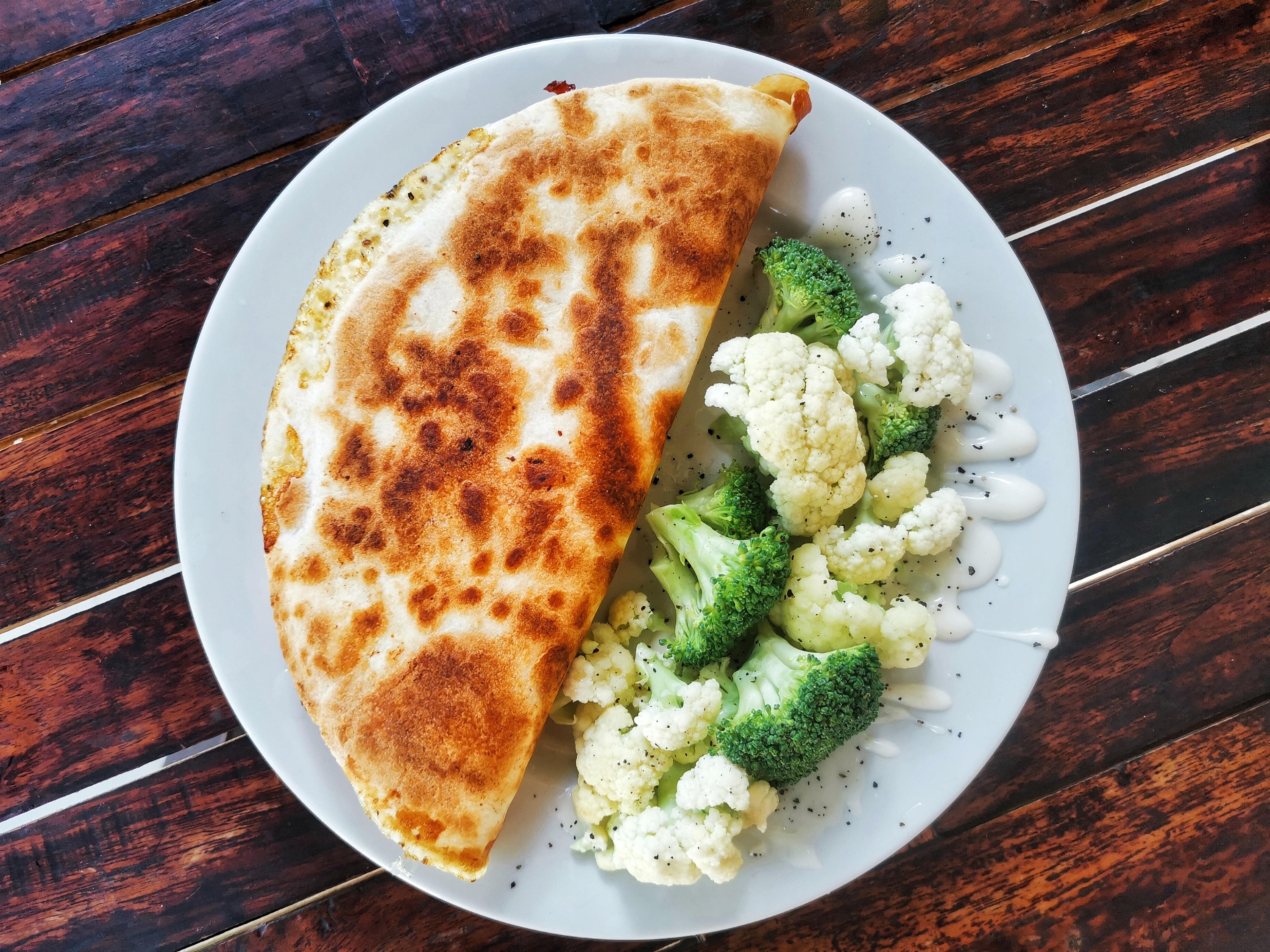 Тортильяс на завтрак с беконом