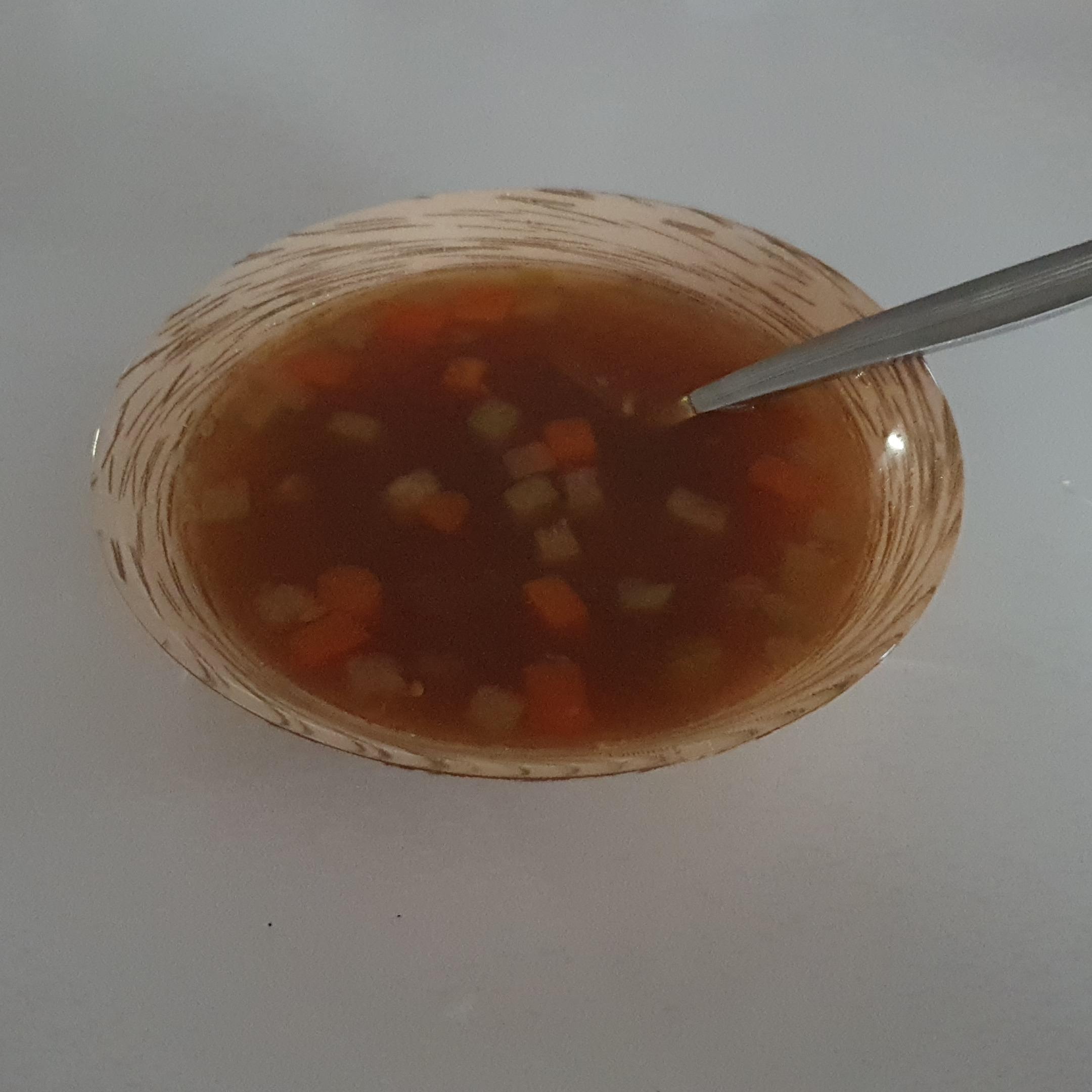 Куриный суп с соевым соусом и вермишелью