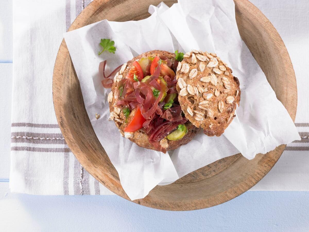 Немецкий бутерброд с вяленым мясом
